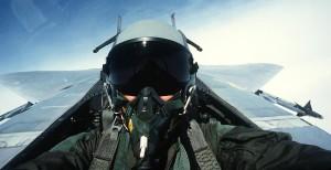Kampfjet fliegen